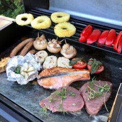Paistokivi vuolukiveä. Käyttö: grillikivi, paistokivi, pizzakivi, kylmäkivi