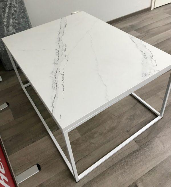 Marmorikuvioitu kvartsitaso Carrara Vein
