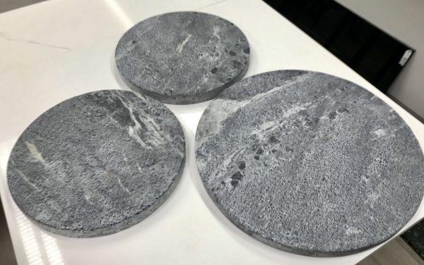 HelaStonelta nyt myös pyöreitä muotoja. Halkaisisija 260 tai 340 mm.